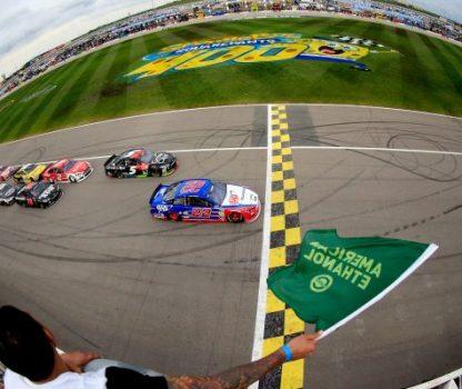 Kansas NSCS 05-09-15 Green flag by Brian Lawdermilk-NASCAR via Getty Images