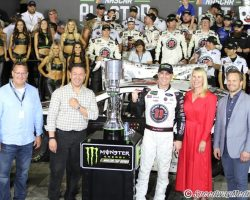 Kevin Harvick VL Charlotte All Star Race 5-19-18 by Brad Keppel